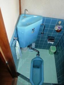 施工前(和式トイレ)