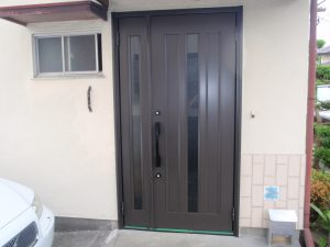 玄関ドア(施工後)